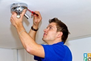 демонтаж светильников, вентиляторов