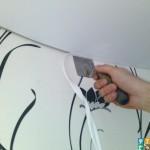 демонтаж потолочного плинтуса