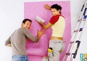 Как оклеивать стены обоями, не подбирая рисунка